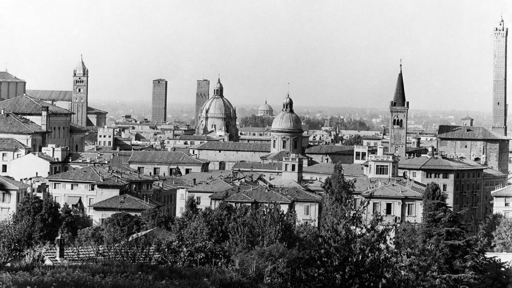 Veduta di Bologna, Studio Silvagni-Natali commercialisti associati, archivio fotografico storico Fotowall di Walter Breviglieri