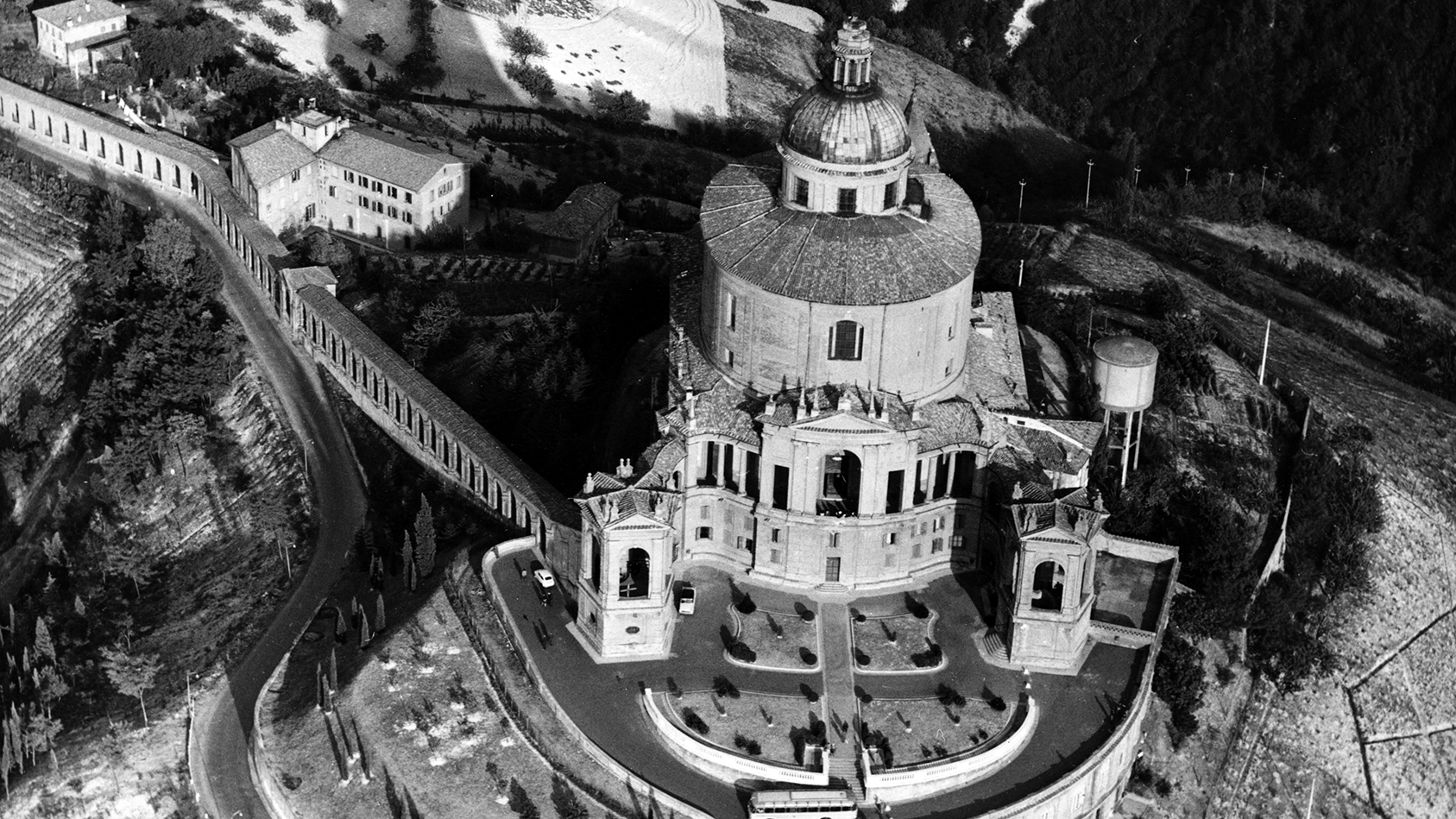Veduta di San Luca - Bologna, Studio Silvagni-Natali commercialisti associati, archivio fotografico storico Fotowall di Walter Breviglieri