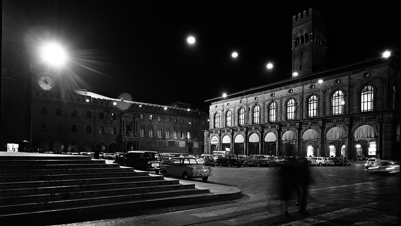 Veduta di Piazza Maggiore a Bologna, Studio Silvagni-Natali commercialisti associati, archivio fotografico storico Fotowall di Walter Breviglieri