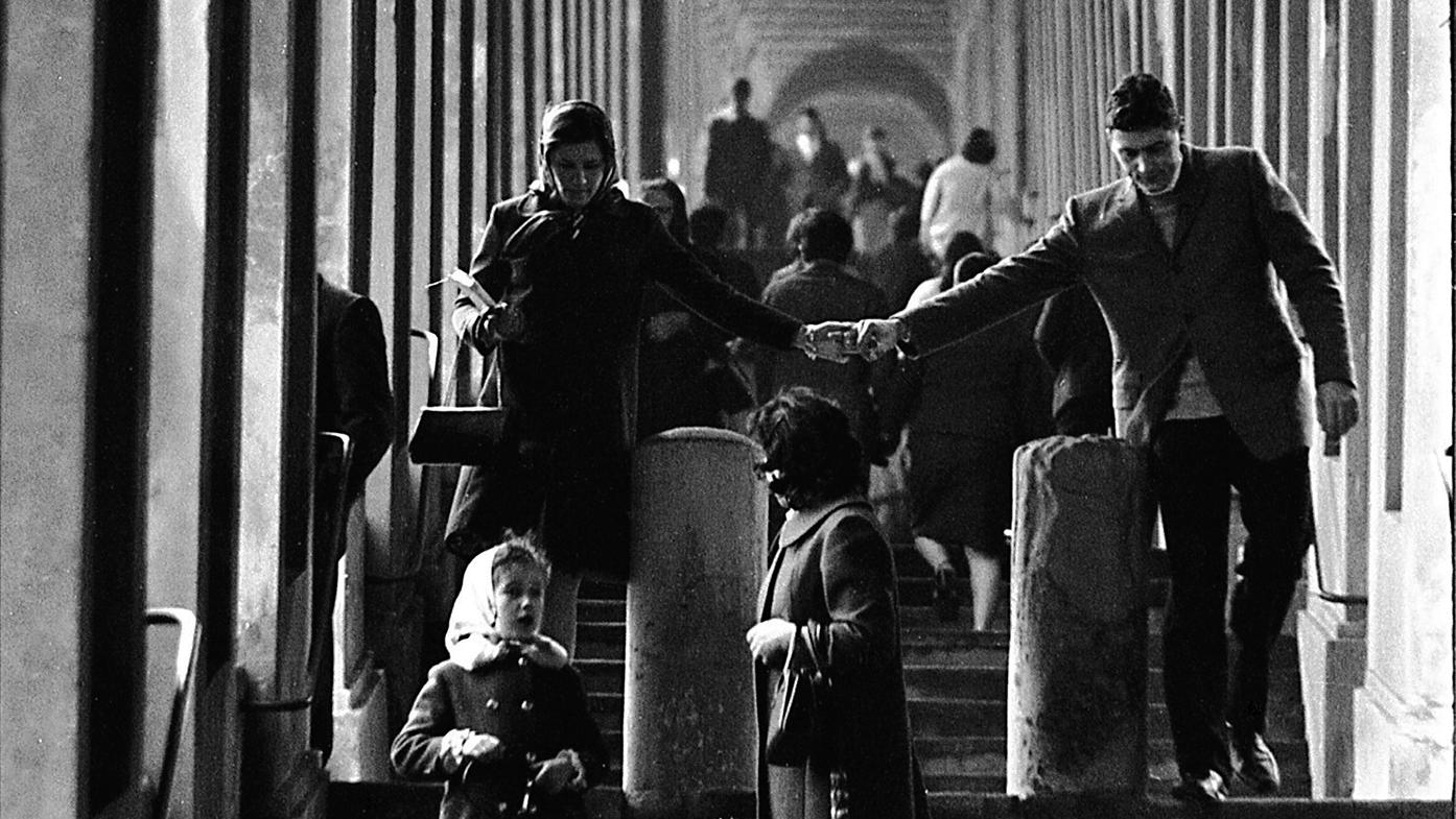 Veduta del portico di San Luca - Bologna, Studio Silvagni-Natali commercialisti associati, archivio fotografico storico Fotowall di Walter Breviglieri